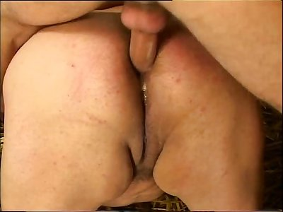 Sex in the farm for a chunky slut!