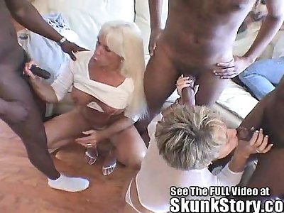 Dueling blonde milfs suck and fuck Skunk and his friends
